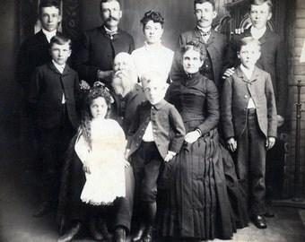 Instant Download, Vintage Photo, Family Portrait, Black & White Photo, Antique Photo, Found Photo, Victorian Fashion, Printable        6-094