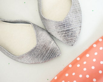 Ballet Flats Shoes Pointy Striped Silver Metallic Leather Slip on Ballerinas