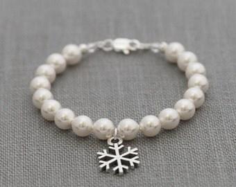 Flower Girl Snowflake Bracelet, Winter Wedding Pearl Jewelry, Snowflake Pearl Bracelet, Bridesmaid Flower Girl Snowflake Jewelry