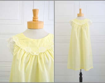 1960s Shadowline Yellow Night Gown