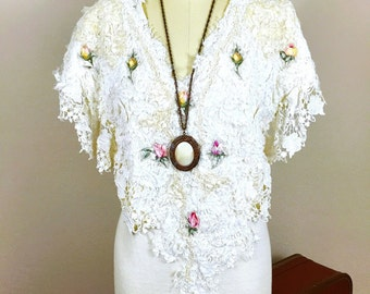 Oak 80's Vintage Heavily Embellished Victorian Wearable Art Lace Applique Rose Beads Embroidered Cream Body Con Dress, size small