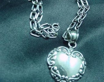 """Vintage Sterling Silver Repousse Heart Shape Pendant on 18"""" Link Chain Necklace"""