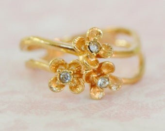 Vintage 1980 'Flower Brights' Double Band Gold Ring with Rhinestones Avon Size 5