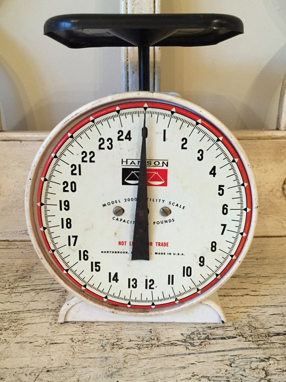 Rustic kitchen scale white hanson kitchen scale with red and for Rustic kitchen scale