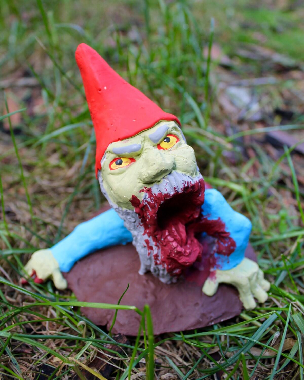 Gnome In Garden: Zombie Gnomes: Slackjaw Saul