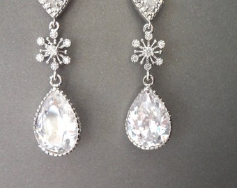Snowflake earrings  ~ Winter wedding jewelry ~ Brides earrings ~ Sterling posts ~ High Quality ~ Cubic zirconia earring ~ Bridal jewelry