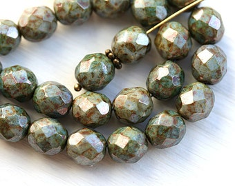 Fire polished Picasso beads, Luster Green, Czech glass round beads, faceted, ball beads - 8mm - 15pc - 2622
