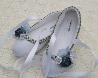 White Blue Bridal Flats, Vegan Shoes trimmed Blue, Something blue Flat shoes,Off White Ivory White,Ballet Style Comfort Slippers,Non Slip