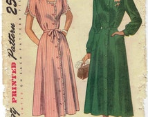 40s Vintage Day Dress Shirtwaist Dress Pattern SImplicity 2527: Bishop Sleeves or Petal Sleeves, Pockets. Half Size 20 1/2 Bust 39 in.