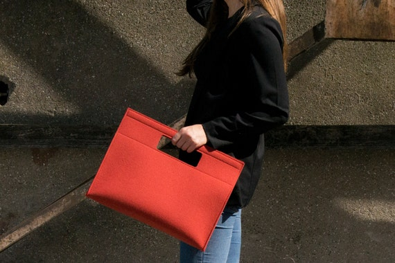 SALE - Felt HANDBAG, 100% wool felt, terracotta, dark orange, orange bag, wool felt bag, wool felt handbag, minimal bag, made in Italy