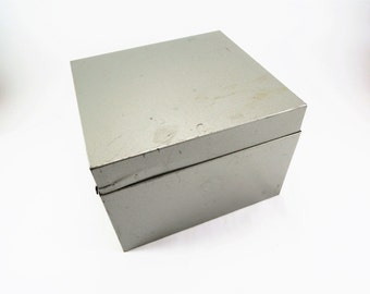 Industrial Metal Index Card File, Recipe Card Box, 4 x 6 Index Card, Weis No 664, Heavy Duty Gray Metal File Box, Hinged Top, Raised Feet