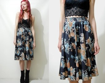 70s Vintage FLORAL SKIRT Highwaisted Flared Black Floral Circle-skirt Mid Knee Length A-line Boho Bohemian Hippie 1970s vtg XS S