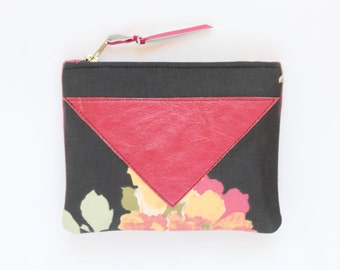 SALE! Flower makeup bag. Cotton zipper pouch. Cosmetic pouch. Makeup organizer. Pencil pouch. Travel pouch. Clearance sale./SPLASH 62