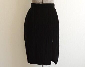 1980s Climax Karen Okada for David Howard Black Rayon Velvet Knee Length Front Slit Pencil Skirt Size 10