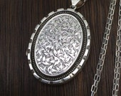 Exquisite Large Antique 1884 Sterling Silver Victorian Ivy Leaves Locket Necklace