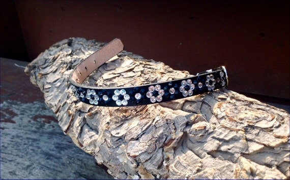 """Daisy Chain 10-12"""" Leather Crystal Pet Collar +70 Swarovski shade choices Breakaway Safety Cat or standard Buckle small Dogs Pet Project"""
