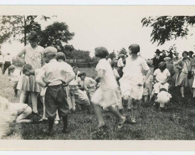 Vintage Snapshot Photo: Children's Game, c1920s (69500)