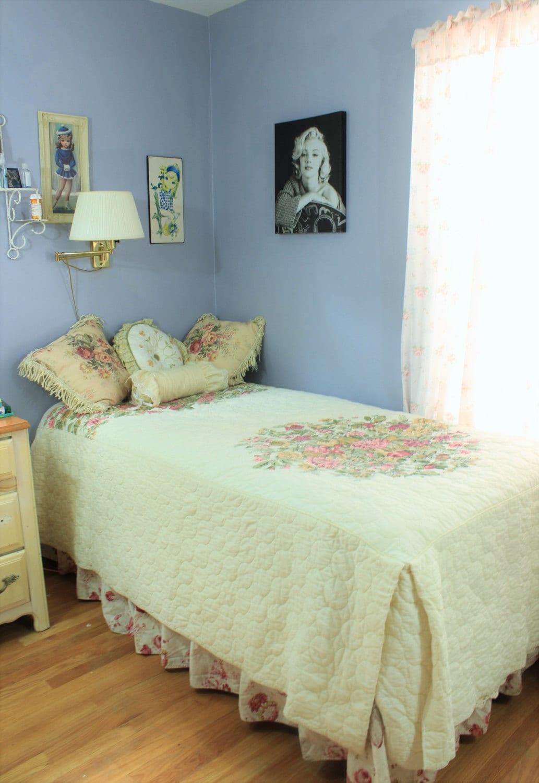 Vintage Bedspread Floral Bedding Quilted Blanket Twin Size