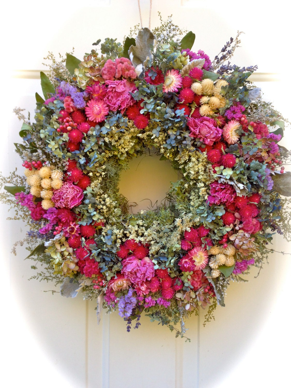 Elegant dried flower wreathfloral wreath