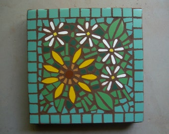 """Made to Order, exterior mosaic stepping stone, 12"""" x 12"""", daisies and sunflower with jade background tile"""