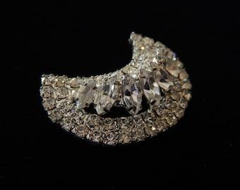 Vintage Crescent Rhinestone Pin Brooch, Dimensional Layered Diamante Crescent Pin, Mid Century Rhinestone Pin, Wedding Jewelry