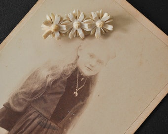 Victorian Carved Bone Daisy Pin