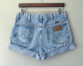 Vintage Wrangler High Waist Shorts Cut Off Shorts Mid Rise Shorts Wrangler Denim Cutoffs Distressed Zip Fly Cuffed Jean Shorts Medium 6 7 8