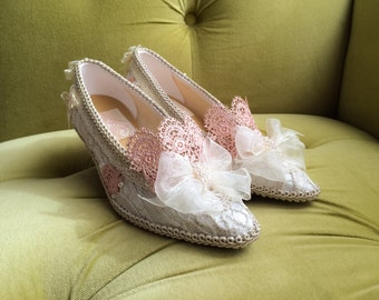 Marie Antoinette Shoes Heels Costume Rococo Baroque Champagne Ivory Antique Vintage Style Lace Bespoke Bridal Peach Pink Appliqué Pearls Bow