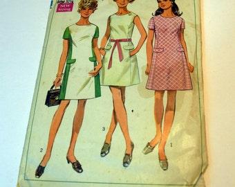 Vintage 1960s Simplicity 8083 Misses basic princess seam dress sewing pattern