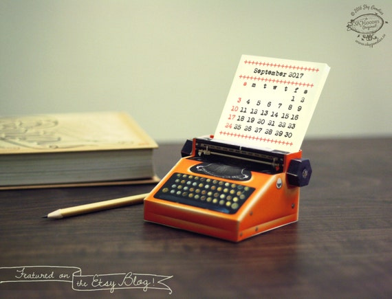 2017 DIY Printable Paper Desk Calendar Papercraft | Realistic Orange Miniature Typewriter | A4 template pdf | Instant download gift