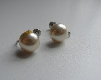 Vintage Faux Pearl Half Dome Earrings / screw back