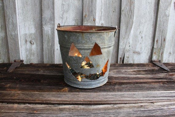 Vintage Galvanized Pail - Jack O' Lantern