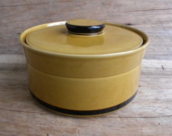 Mid Century Designers Collection Japan Honey Gold Covered Casserole / Vintage Gold Covered Casserole Dish / Mid Century Ovenware Japan