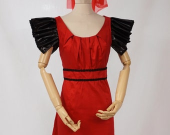 Woman's Halloween Witch Costume in Red and Black - Size 10-12