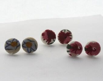 Flower Button Earrings / Vintage Floral Fabric Button Earrings