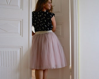 Plus size tulle skirt outfit, chateau rose, tea length tulle skirt, blush tulle skirt for plus size women, shabby chic skirt, 50s fashion