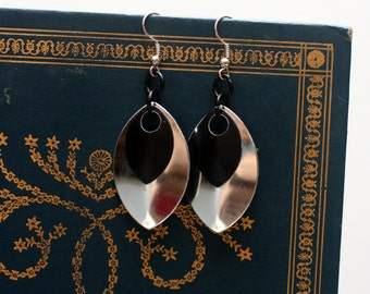Black and Silver Scalemaille Earrings