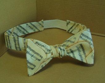 Sheet music self-tie bow tie