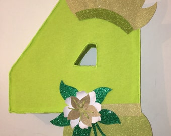 number piñata. Princess and the frog piñata. Princess and the frog birthday party. princess and the frog party decoration. princess birthday