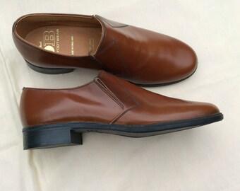Vintage UK 6 EU 38.5 US 6.5 brown leather slip on shoes, Deadstock, unworn.