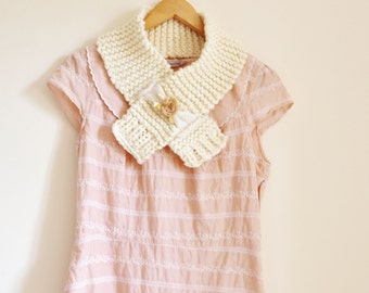 Womens cream knitted scarf Ladies cream knitted cowl Womens cream knitted collar Cream scarf Cream scarves Cream neckwarmer 644