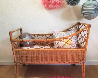 Cradle, crib, babybed, rattan, mid century modern, vintage, 60s, model Félix