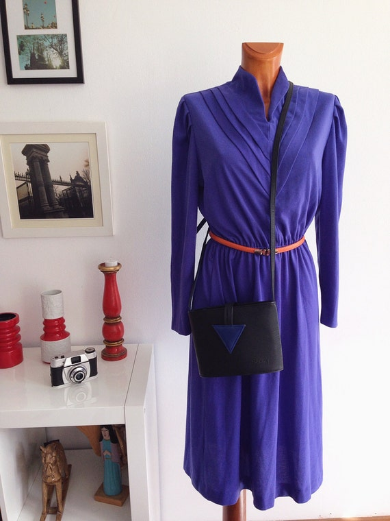 Vintage 80s blue long sleeved collar dress swan necked modern and