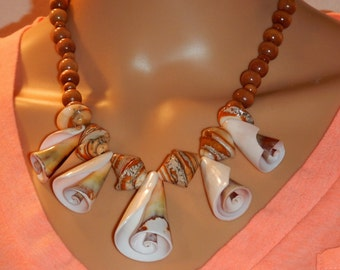 Necklace of natural shells and wood beads