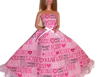 Fashion Doll Clothes-Hugs & Kisses Print Strapless Dress