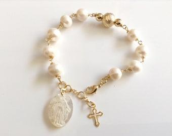Virgin Mary Pendant Bracelet Miraculous Medal Freshwater Pearls Bracelet religious gifts Catholic gifts Virgen La Milagrosa mothers day gift