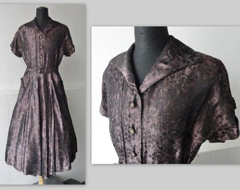 Lovely 40s Vintage Dress // Heather Colored With Golden Buttons // Pockets // Size M