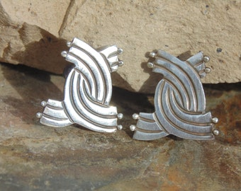 Mexico Silver ~ Vintage Crossover Screw Back Earrings c. 1940's