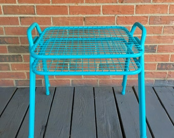 Vintage Mid Century Set of Two 2 Metal Wire Patio Tables Stacking End Tables Atomic Decor