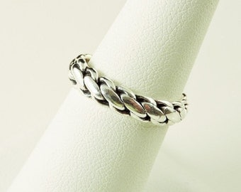 Size 7.5 Sterling Silver Weaved Band Ring